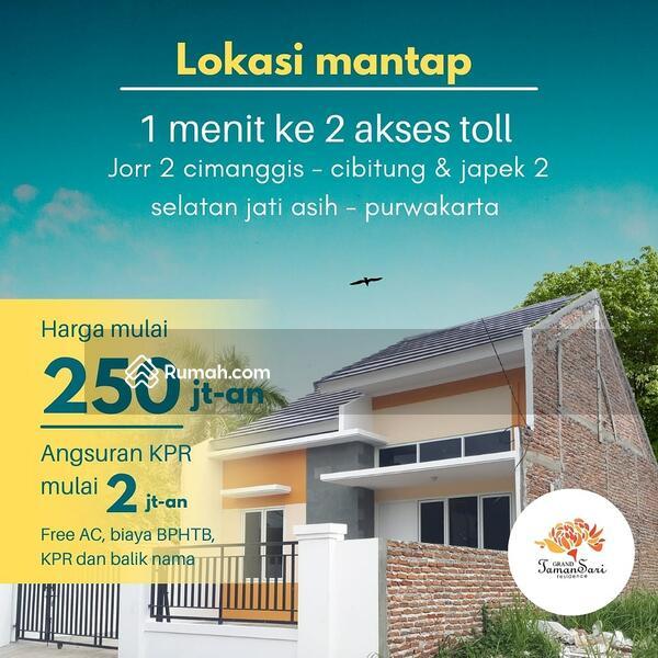 Rumah bebas banjir daerah setu #105873082