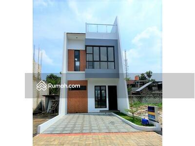 Dijual - Hunian 2, 5 lantai desain gaya minimalis ada rooftopnya lokasi belakang kampus UI Depok