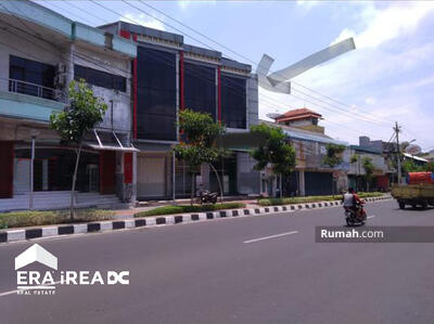 Dijual - Ruko strategis tengah kota Semarang siap pakai dijual di MT Haryono Semarang tengah