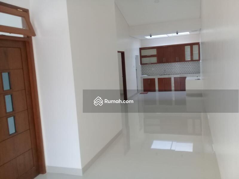 Town House Rumah baru di pondok Kelapa #106012426