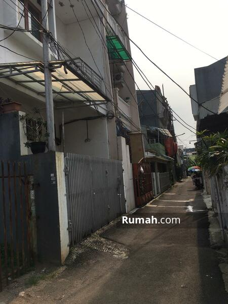 Rumah nyaman dan siap huni di Tanjung Duren #106125496