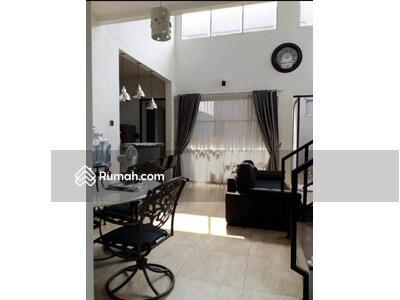 Dijual - Dijual Rumah 2 lantai di Komp Jatiwaringin. Pondok Gede. Bekasi