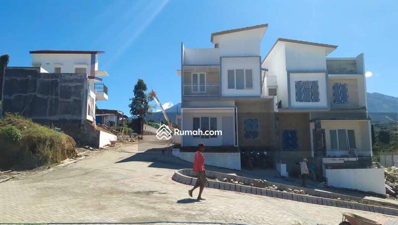 Rumah Villa Strategis Investasi menguntungkan #106136770