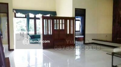 Dijual - Rumah tingkat 2 lantai siap pakai di Perumahan Villa Candi Asri, Semarang