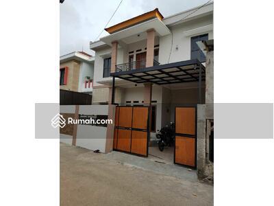 Dijual - Dijual Rumah Baru 2 Lantai dekat Jalan Ratna Jati Bening Bekasi