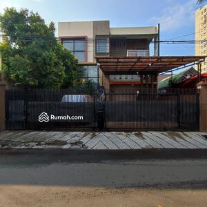 Dijual - Dijual cepat rumah mewah dipinggir jalan raya dekat tol cawang bebas banjir