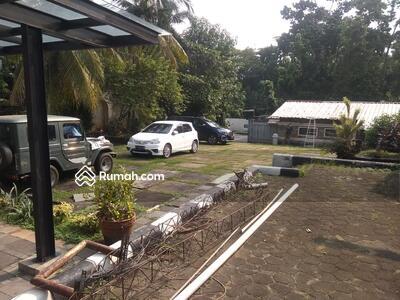 Dijual - Jual Cepat Rumah LT. 1000 M2 Jalan Raya di Tebet, Cocok Rumah Tinggal atau Kantor Cozy