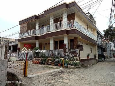 Dijual - Rumah dua ¹/²lantai secondary