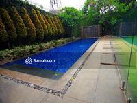 Dijual - Rumah keren bernuansa modern resort di Kemang