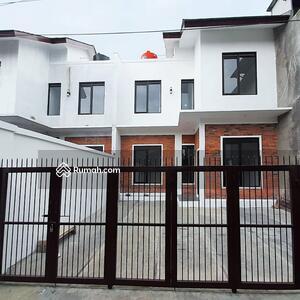 Dijual - Rumah 2lantai siap huni pusat kota Bandung
