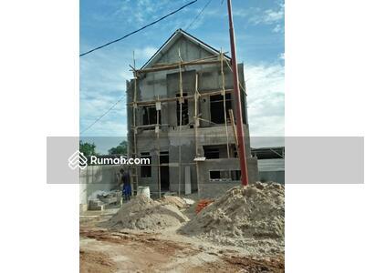 Dijual - Rumah baru 2 lantai di lubang buaya dekat halim