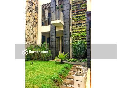 Dijual - Rumah cantik siap huni di Senayan Bintaro