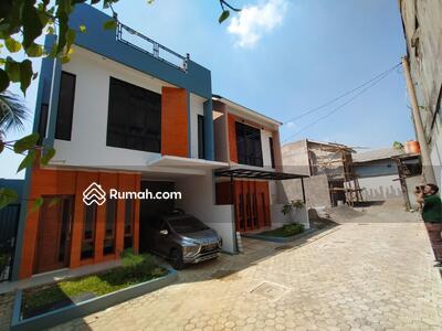 Dijual - Rumah Modern pinggir jalan besar Full Fasum dekat MRT dan Pusat Perbelanjaan