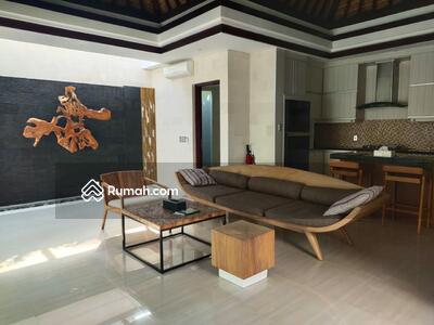Dijual - Villa Kompleks One Gate Di Pantai Kedonganan Kuta Dkt Jimbaran Unggasan Nusa Dua Bandara Seminyak Le