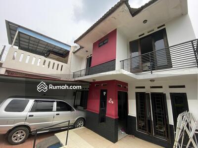 Dijual - Rumah cantik dalam komplek dekat Tol Krukut