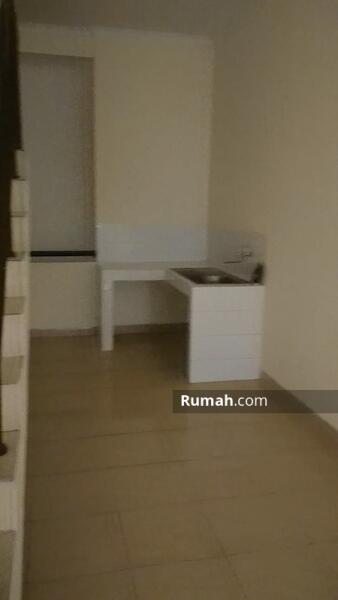 Ruko Gadget  3 Lantai Lokasi Ramai , Gading Serpong #106519114