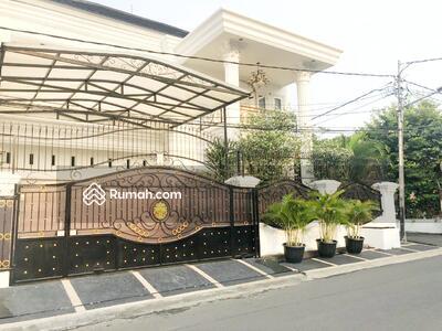 Dijual - TEBET-Owner Ingin Jual Cepat dan siap negosiasi Rumah Mewah Full Furnish Dekat Pos Security