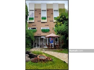 Dijual - Rumah Tapak Konsep Apartemen Lokasi Meruya Intercon