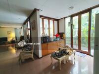 Dijual - Rumah Asri, Homy, Kokoh, Terawat, di Main road, Setra Duta, Bandung Utara,