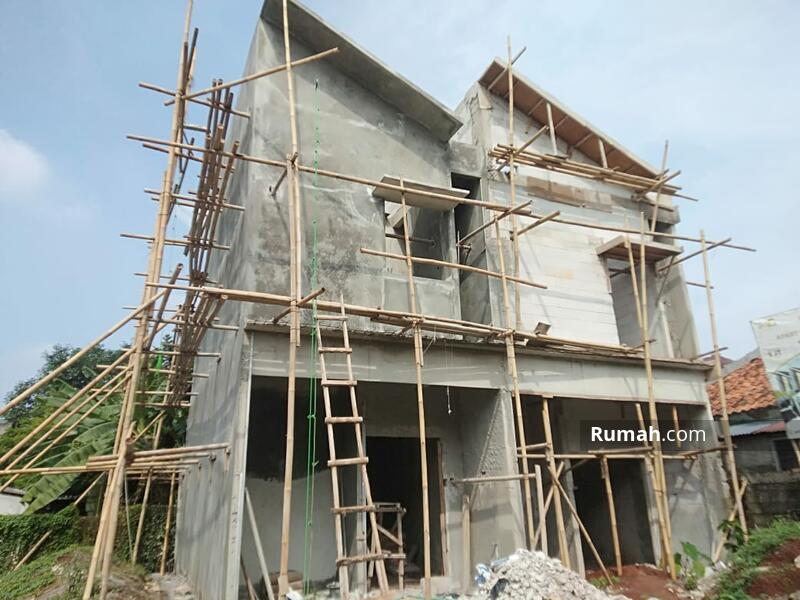 Rumah 2 Lantai 800Jtan, 5 menit ke toll tb Simatupang, dp bisa dicicil bahkan 0% #106715546