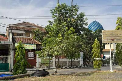 Dijual - 10+ Bedrooms Rumah Dukuh Pakis, Surabaya, Jawa Timur