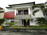 Disewa - Rumah 2 Lantai di Kerobokan Perumahan One Gate System