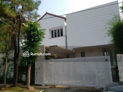 Dijual - CINERE | Rumah Lux Cantik Bergaya Villa Resort Lokasi Premium Cinere