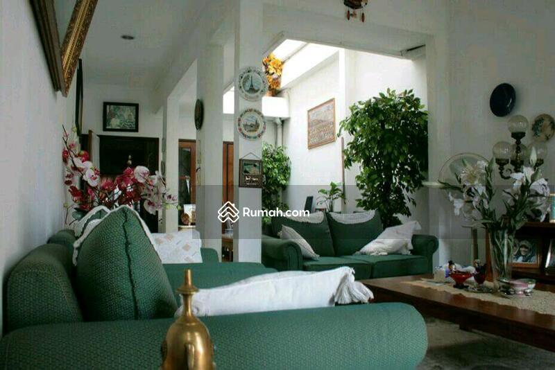 Rumah Dijual DI Mampang Prapatan Jakarta Selatan Luas dan Nyaman #106969980