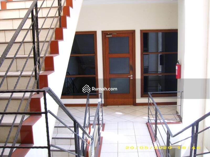 Gedung Kecil Dekat Blok M, 5 lantai, Strategis, Siap Pakai #107022440
