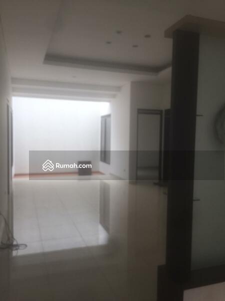 Rumah Singgasana pradana #107070646