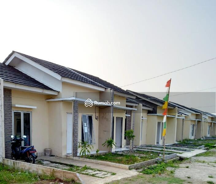 Rumah syariah #107078962
