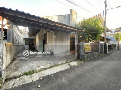 Dijual - Rumah Hitung Tanah Dekat PSPT, Harga Menarik, Bisa Bangun 2 Rumah