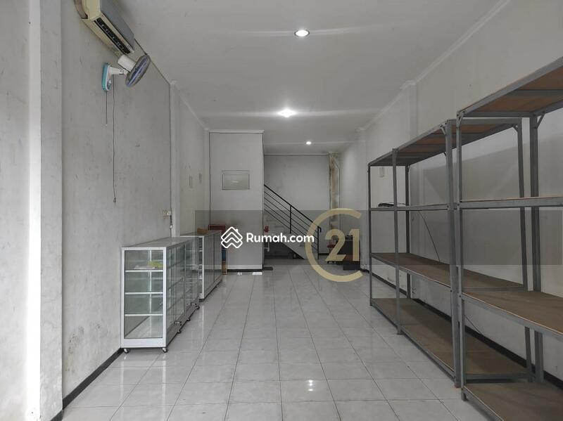 Dijual ruko 2 lantai,  Siap pakai, , lokasi Strategis, jalan lebar dan ramai, dekat  Kalibanteng #107242208
