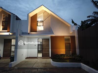 Dijual - Rumah di Bekasi Barat Mewah Strategis Dekat Tol Becakayu, Jatibening, JORR dan Mall
