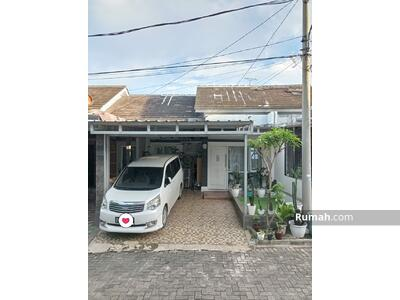 Dijual - Rumah estetik di perumahan tanah baru Depok asei dan rapi akses oke