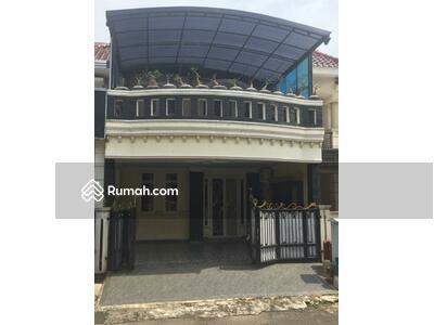 Dijual - Di jual Rumah  Siap Huni Cantik  2 Lantai  Royal Residence