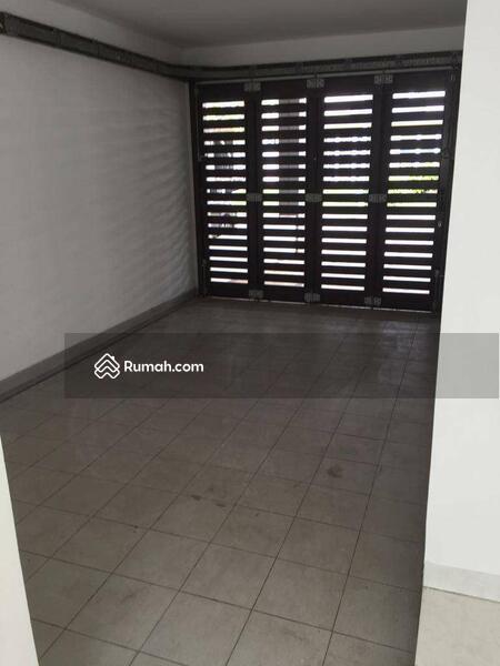 Rumah 2 lantai siap huni 12x20 240m Type 4KT Cluster Palm Spring JGC Jakarta Garden City Cakung #107318376