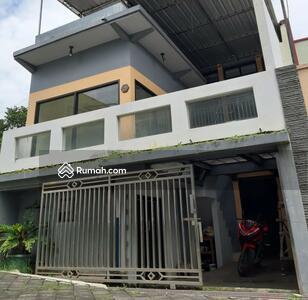 Dijual - Rumah minimalis 3 lantai