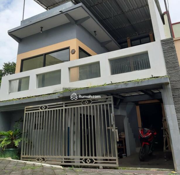 Rumah minimalis 3 lantai #107352846