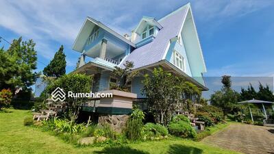 Dijual - Dijual Vila Model Rumah Barbie Mewah Lux di Lembang