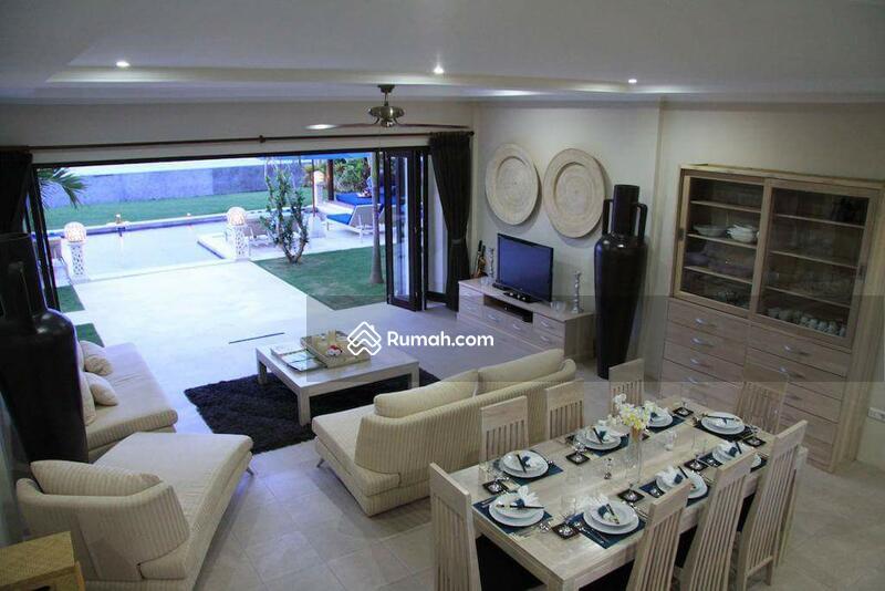 Villa sawan #107437822
