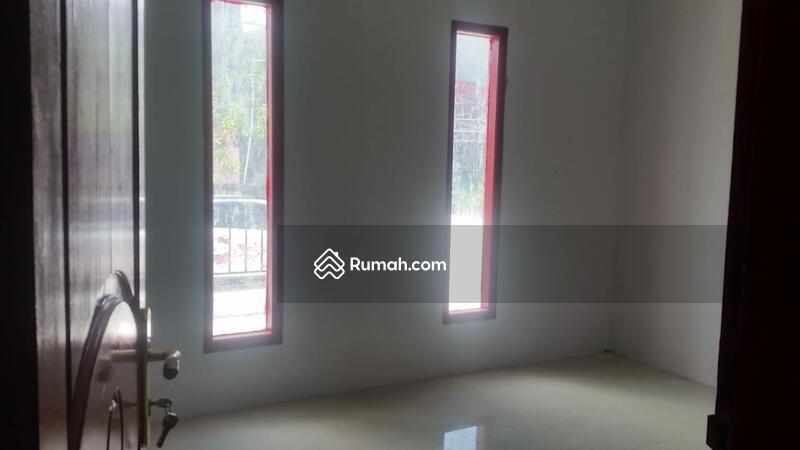 Di Jual Rumah, Bangunan Baru di Harapan Indah Satu, Bekasi #107478800
