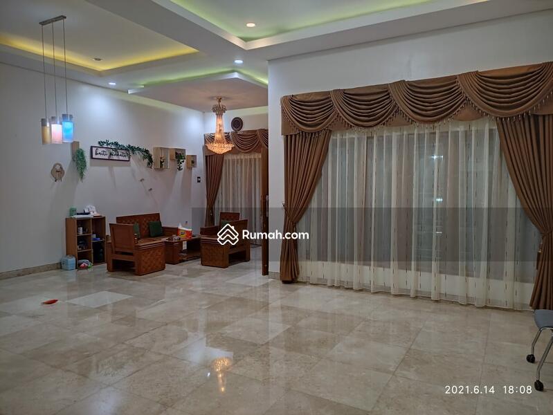 Rumah 2 lantai mewah #107571566