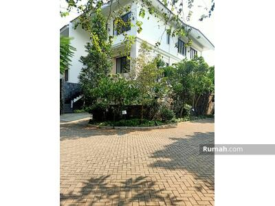 Disewa - For rent! Nice & Prime compound house in Kemang