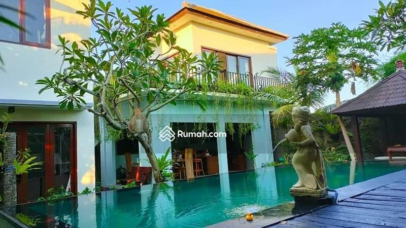 Villa minimalis di mumbul Nusa dua #107586052