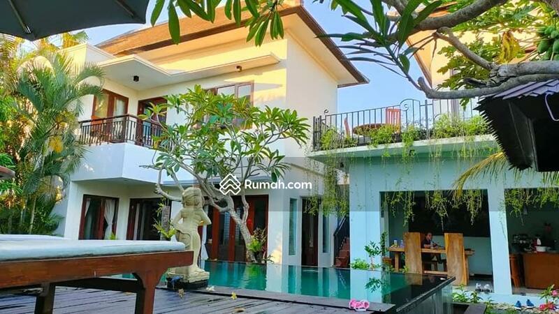 Villa minimalis di mumbul Nusa dua #107586054