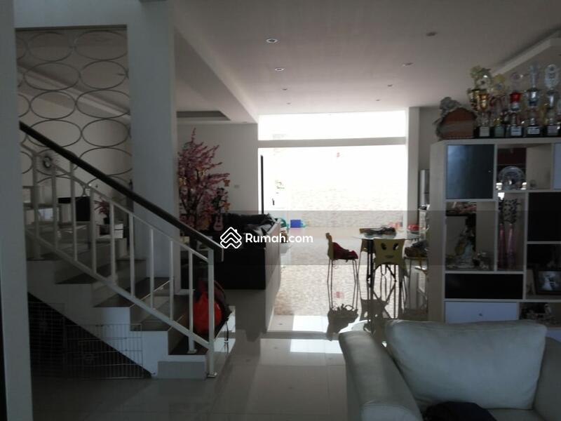 RECOMMENDED Rumah semi furnished 3 Lantai luas 12x24 285m Citra Garden Jakarta Barat #107595358