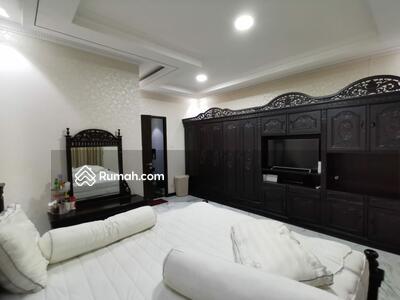 Dijual - Dijual Rumah Mewah Cantik Siap Huni 2lantai ada 3KT di Royal Residence Pulogebang