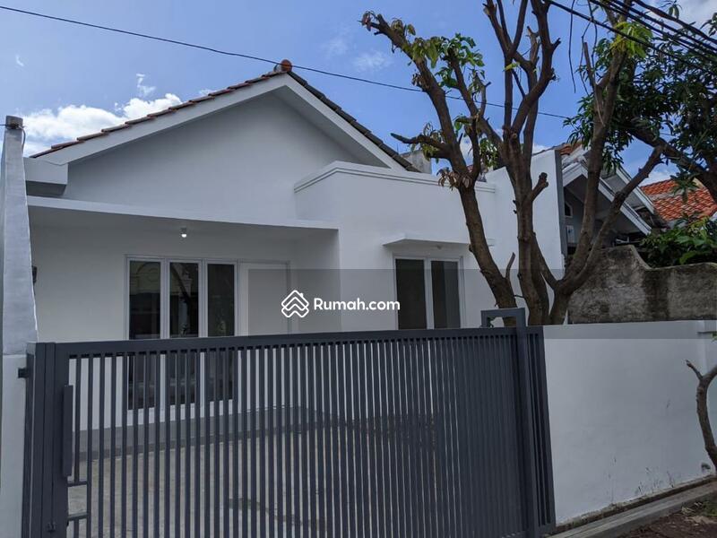 Rumah Pojok Baru Renovasi Dijual Murah Di Graha Raya #107634108