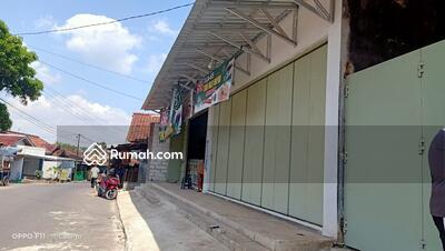 Dijual - Toko sembako bonus isi toko dan furnish dekat pasar Bobotsari